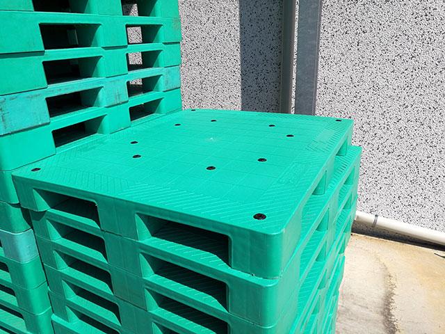 pallet-di-plastica-1200x1000