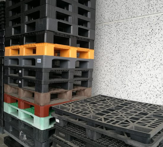Pallet 1200×1000 – colori misti -3 listelli o 9 piedi